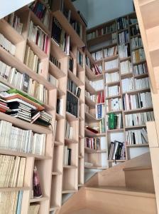 Bibliothèque sur mesure + secrétaire of le dahé en hêtre massif huilé 8790€