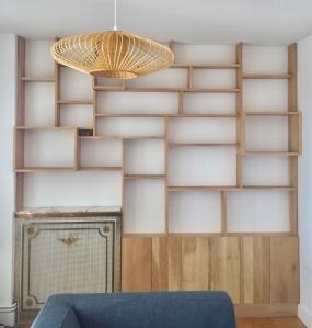Bibliothèque sur mesure of le dahé en chêne massif ciré naturel. 3730€